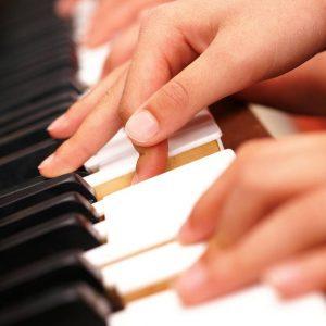 photo piano 4 mains